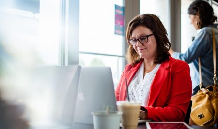 Choosing the Best of Online Course to Further Your Career